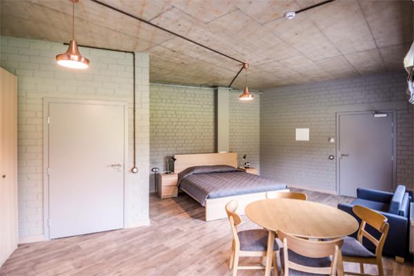 Five-person room